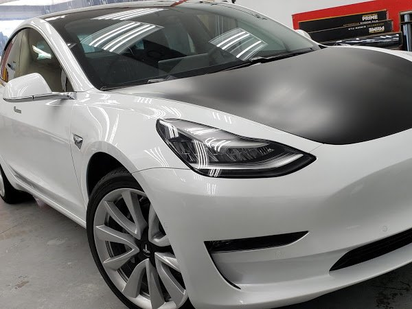 Tesla Model 3 received a full XPEL Prime XR Plus and Vinyl Wrap